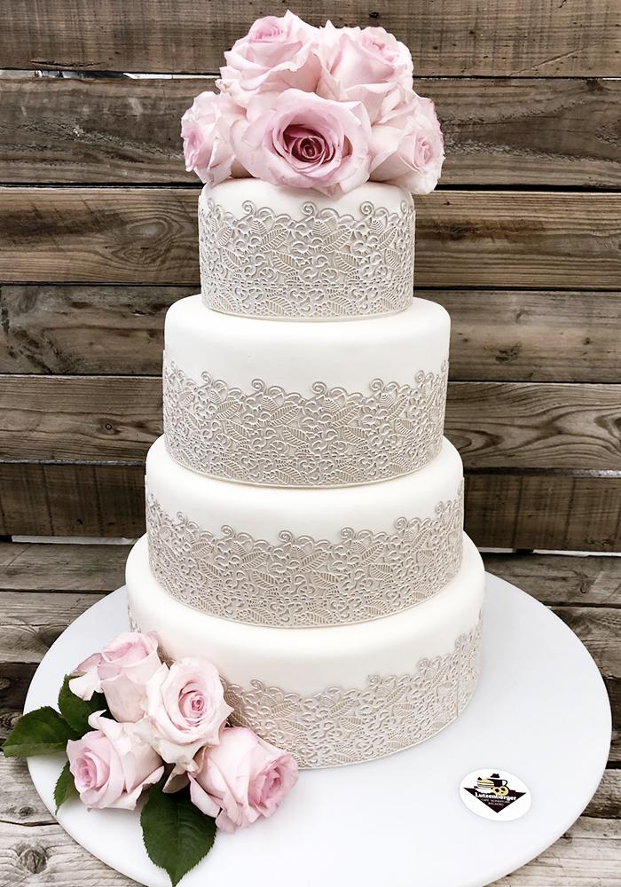 4 Stöckige Hochzeitstorte